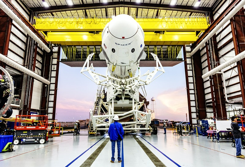 100000565_spaceX_manufacturing